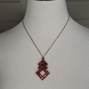 Red jewel pendant necklace